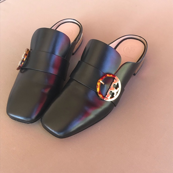 aac1d36f4e9e Authentic Tory Burch Sidney Backless Loafer. M 5b3570355c445239ac1f4138